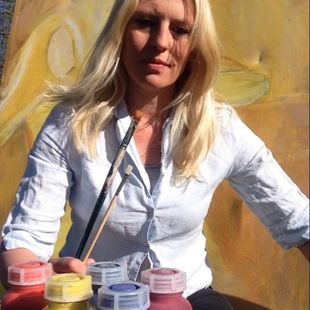 Johanna Sandberg använder gärna akvarellfärg från Skolgrossisten i sitt arbete